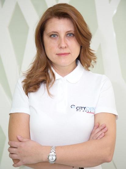 Dr. Alexandra Busea